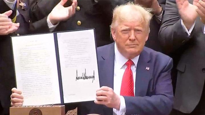 El presidente Trump firma una orden ejecutiva sobre la reforma policial