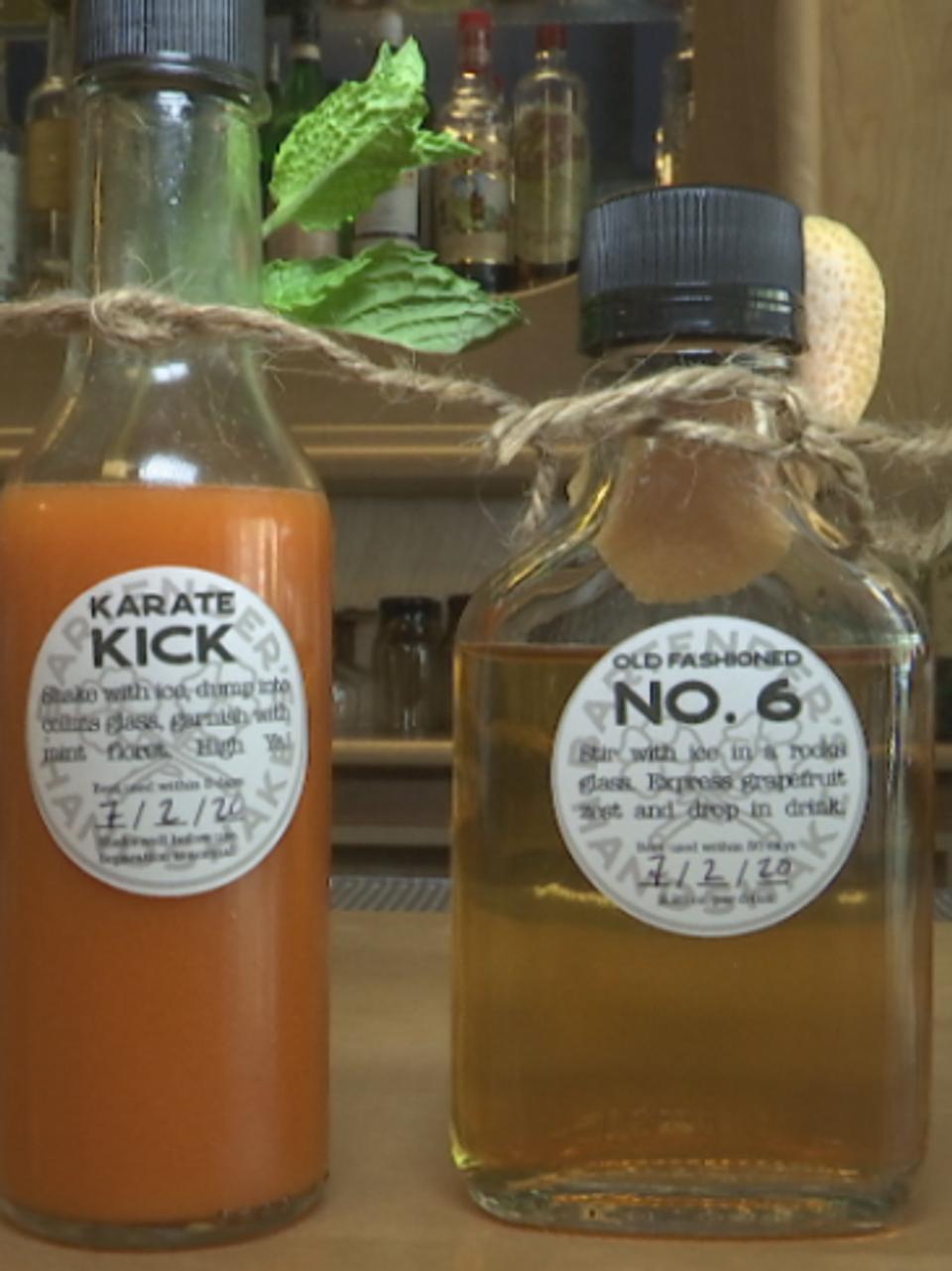 La nueva ley de Iowa hace permanente la política de pandemia de vender cócteles para llevar