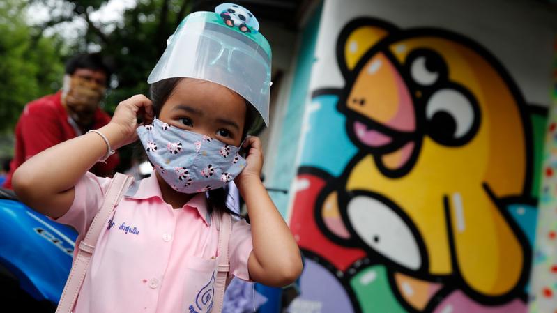Qué dice la ciencia sobre el riesgo de contagio de coronavirus al reabrir las escuelas?