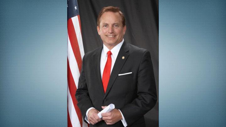 El Secretario de Estado de Iowa proporcionará PPE, $ 2 millones para proteger a los votantes y trabajadores electorales