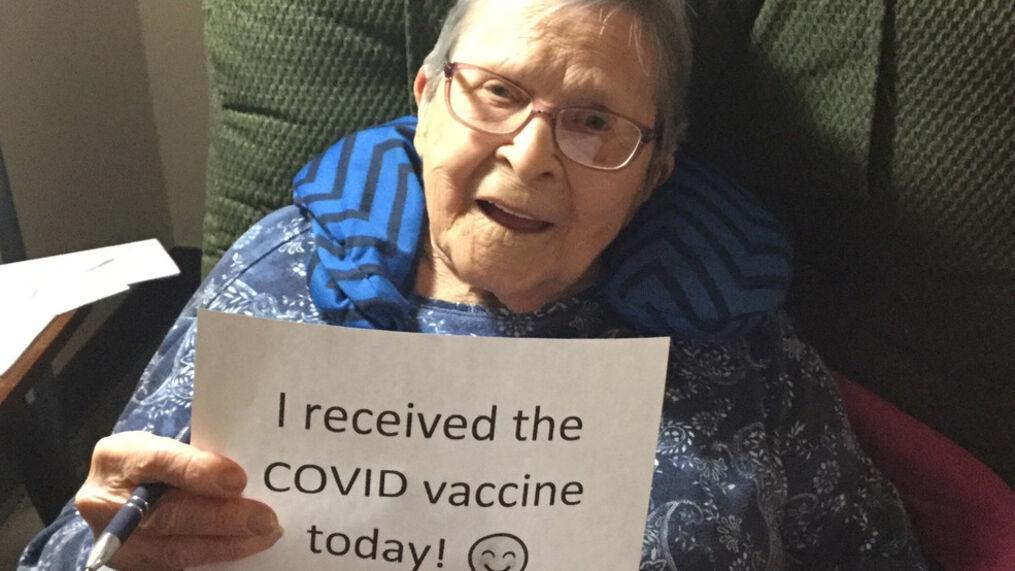 Los centros de atención a largo plazo en Iowa comienzan a vacunar a los residentes y al personal
