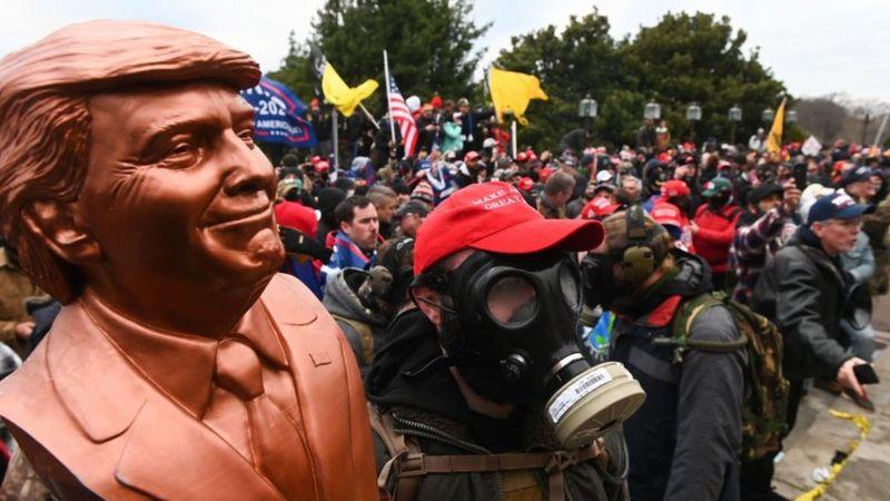 Por qué el asalto al Capitolio no llega a ser un golpe convencional pero acerca a EE.UU. a la violencia de las democracias frágiles