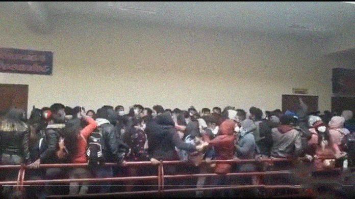 Tragedia en Bolivia: siete estudiantes universitarios murieron al caer de un cuarto piso.
